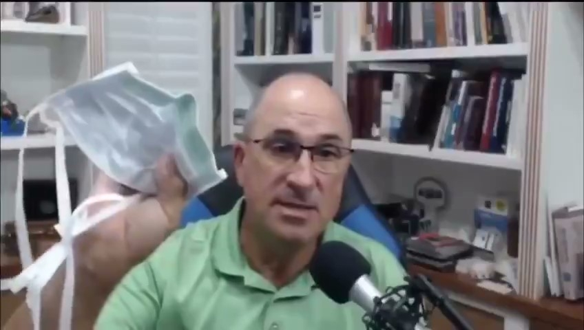 Doctor Uses Vape Pen to Show How Masks Don't Work