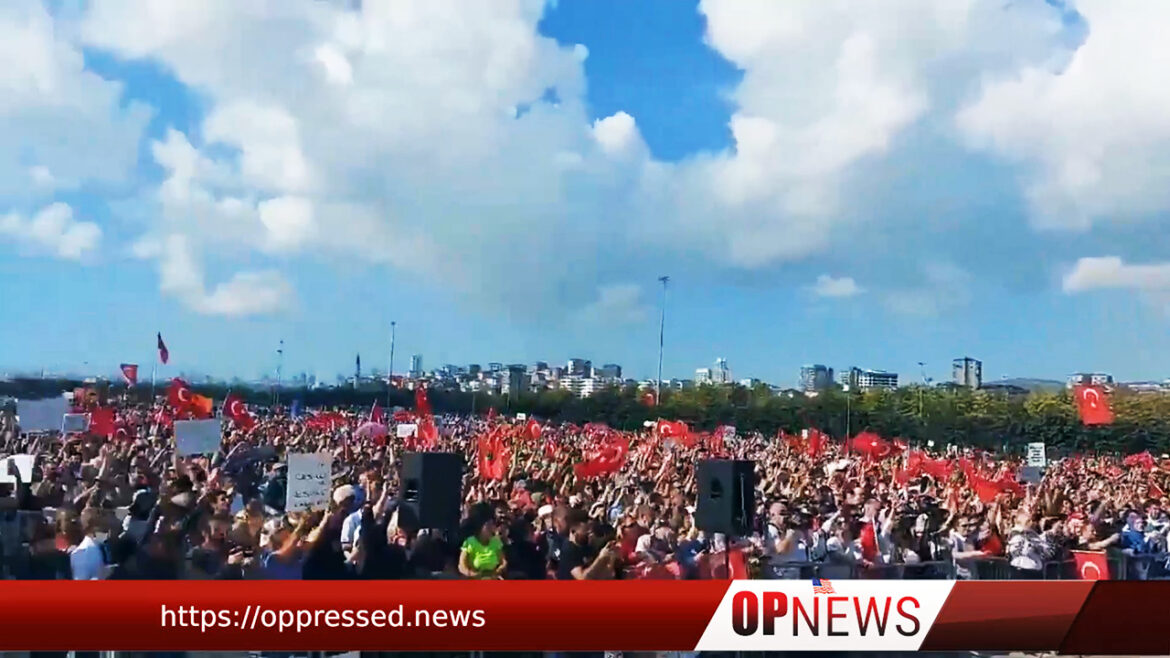 Tens of Thousands Gather In Istanbul to Protest Against Vaccine Passport